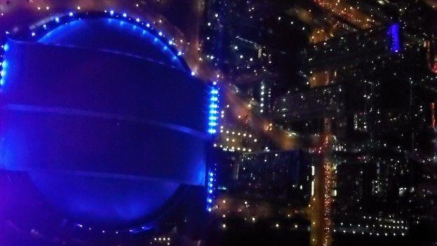 Je conseille de visiter la tour CN de nuit vous allez voir les couleurs magnifiquesde Toronto photo voyage tour du monde https://yoytourdumonde.fr