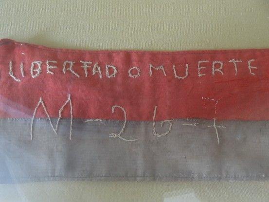 Cuba: Musée de la Révolution, ici un brassard de révolutionnaire