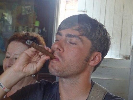 A Vinales dans l'Ouest de Cuba vous pouvez trouver et fumer les meilleurs cigares cubains.