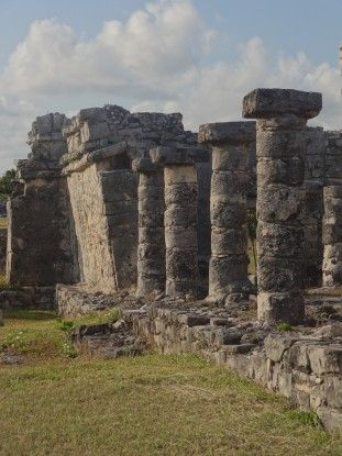 Mexique: Ruine Maya de Tulum photo blog voyage tour du monde https://yoytourdumonde.fr
