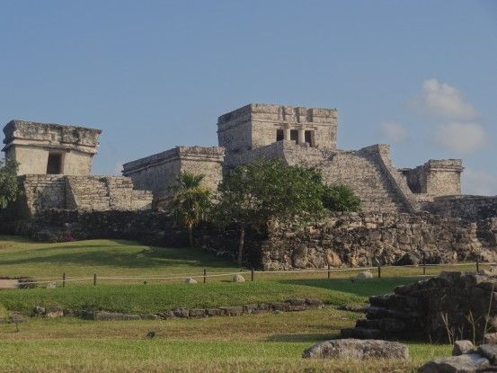 Site Maya de Tulum au Mexique photo blog voyage tour du monde https://yoytourdumonde.fr