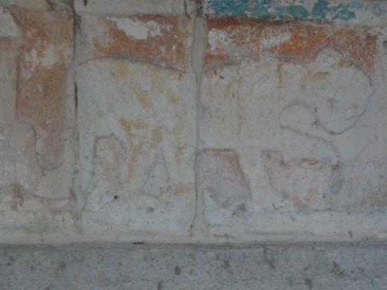 Vous pouvez encore voir de la peinture sur certaines ruines de Chichen Itza photo blog voyage tour du monde https://yoytourdumonde.fr