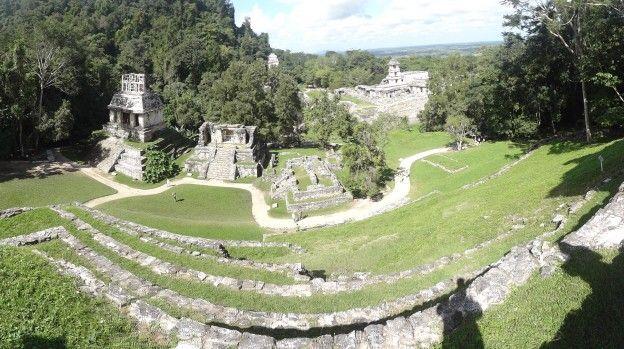 Une partie du site Maya de Palenque au Mexique photo blog voyage tour du monde https://yoytourdumonde.fr