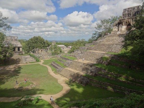 Une partie d'une vue de Palenque site Maya magnifique dans la jungle du Mexique photo blog voyage tour du monde https://yoytourdumonde.fr