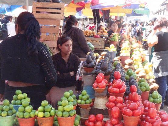 Le superbe marché de San Cristobal de Las Casas au Mexique photo blog voyage tour du monde travel https://yoytourdumonde.fr