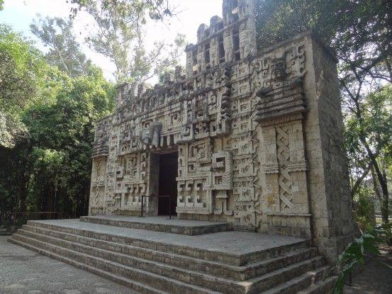Reconstitution Temple Maya au Musée d'anthropologie de Mexico City photo blog voyage tour du monde travel https://yoytourdumonde.fr
