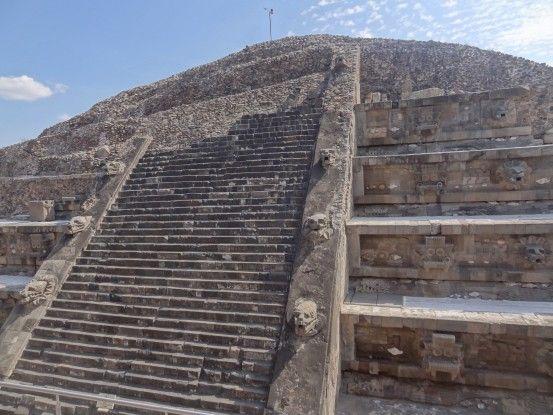Pyramide à Teotihuacan au Mexique photo blog voyage tour du monde