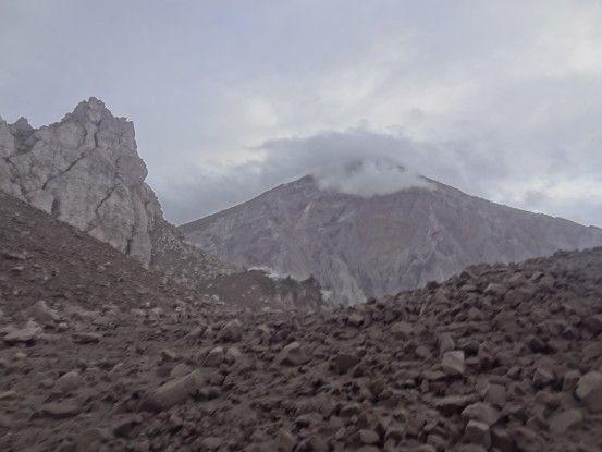 Randonnée sur le volcan Santa Maria et du Santiaguito au Guatemala photo blog voyage tour du monde travel https://yoytourdumonde.fr