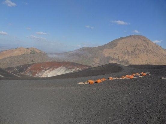 Luges sur le Cerro Negro photo blog voyage tour du monde travel https://yoytourdumonde.fr