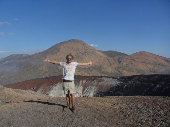Cratère du Cerro Negro au Nicaragua photo blog voyage tour du monde travel https://yoytourdumonde.fr