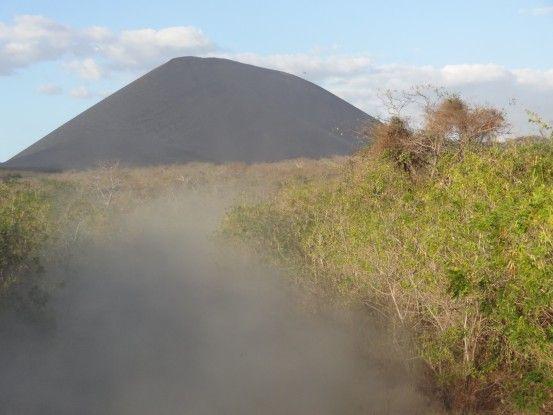 Nicaragua volcan cerro negro photo blog voyage tour du monde travel https://yoytourdumonde.fr