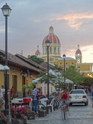 Très belle ville de Granada au Nicaragua photo blog voyage tour du monde travel https://yoytourdumonde.fr