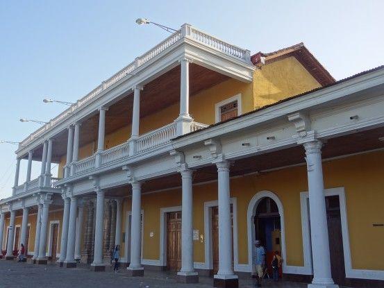 Il y a de très jolis batiments coloniaux à Managua au Nicaragua photo blog voyage tour du monde travel https://yoytourdumonde.fr
