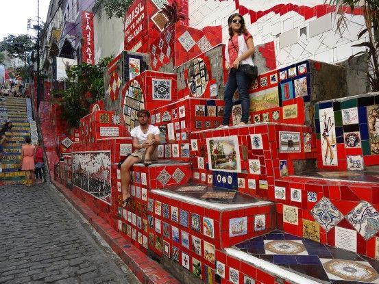 L'escalier rouge dans le quartier de Santa Teresa à Rio de Janeiro au Brésil Photo blog voyage tour du monde travel