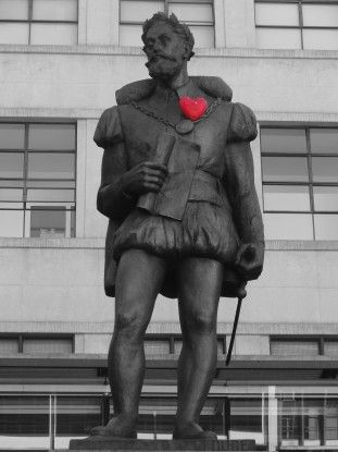 Statue dans le centre historique de Sao Paulo au Brésil photo blog voyage tour du monde travel https://yoytourdumonde.fr