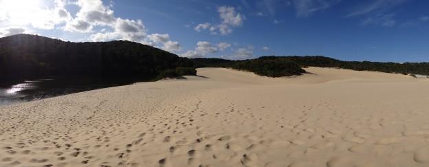Australie-Frazer Island; Apres que d'eau que d'eau que d'eau c'est que de sable...