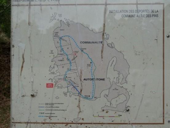 Nouvelle-Caledonie: L'ile des Pins sera divise en deux parties administratives. Une partie sera destine aux deportes de la Commune de Paris qui seront enferme dans un Bagne.
