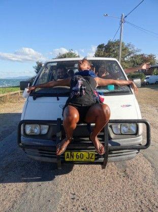 Australie-Bowen: Le soleil fait parfois peter des plombs. Ce jour la, Sanma avait pete tous les plombs... LOL