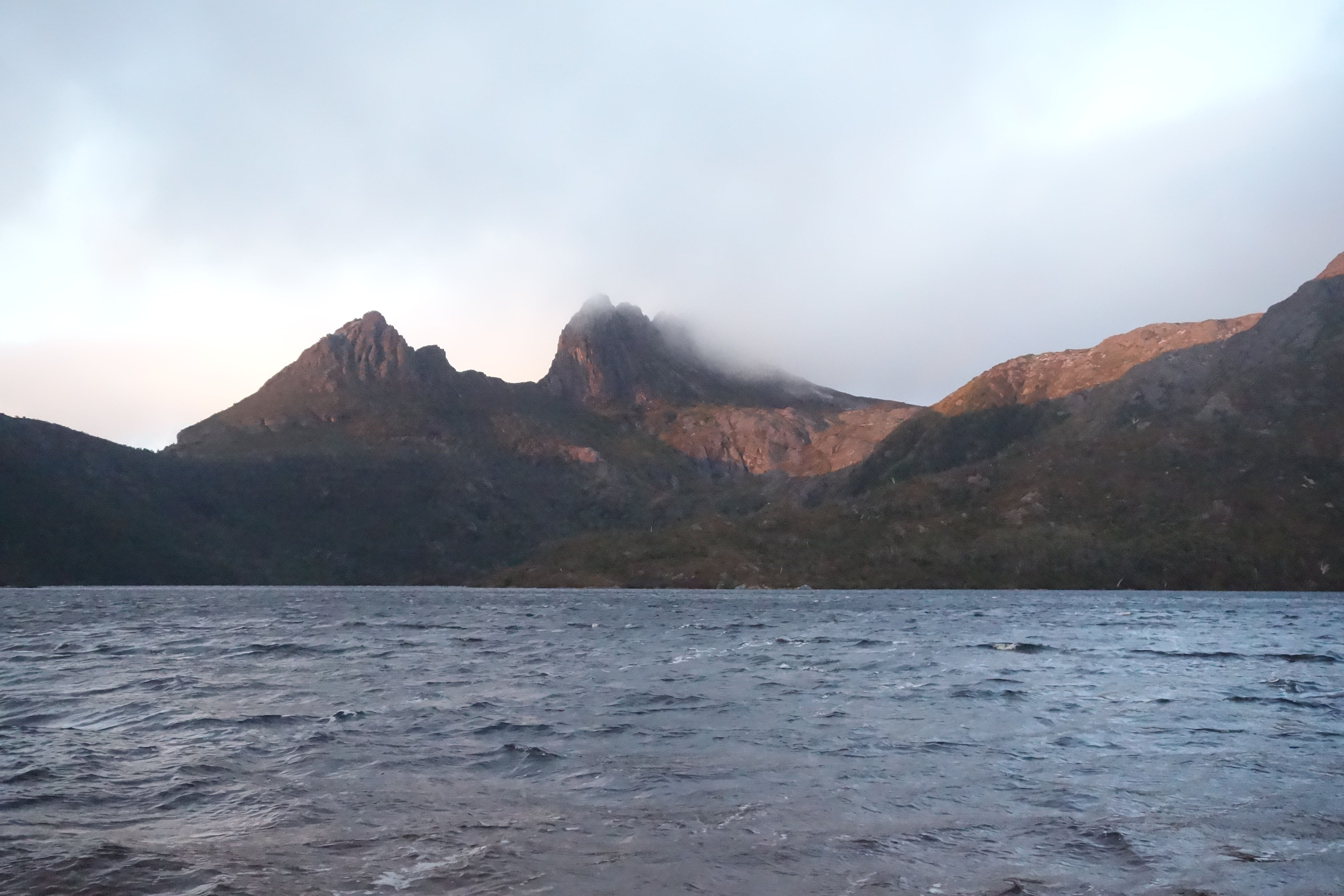 Australie-Tasmanie: Les Cradle Mountain au petit matin.