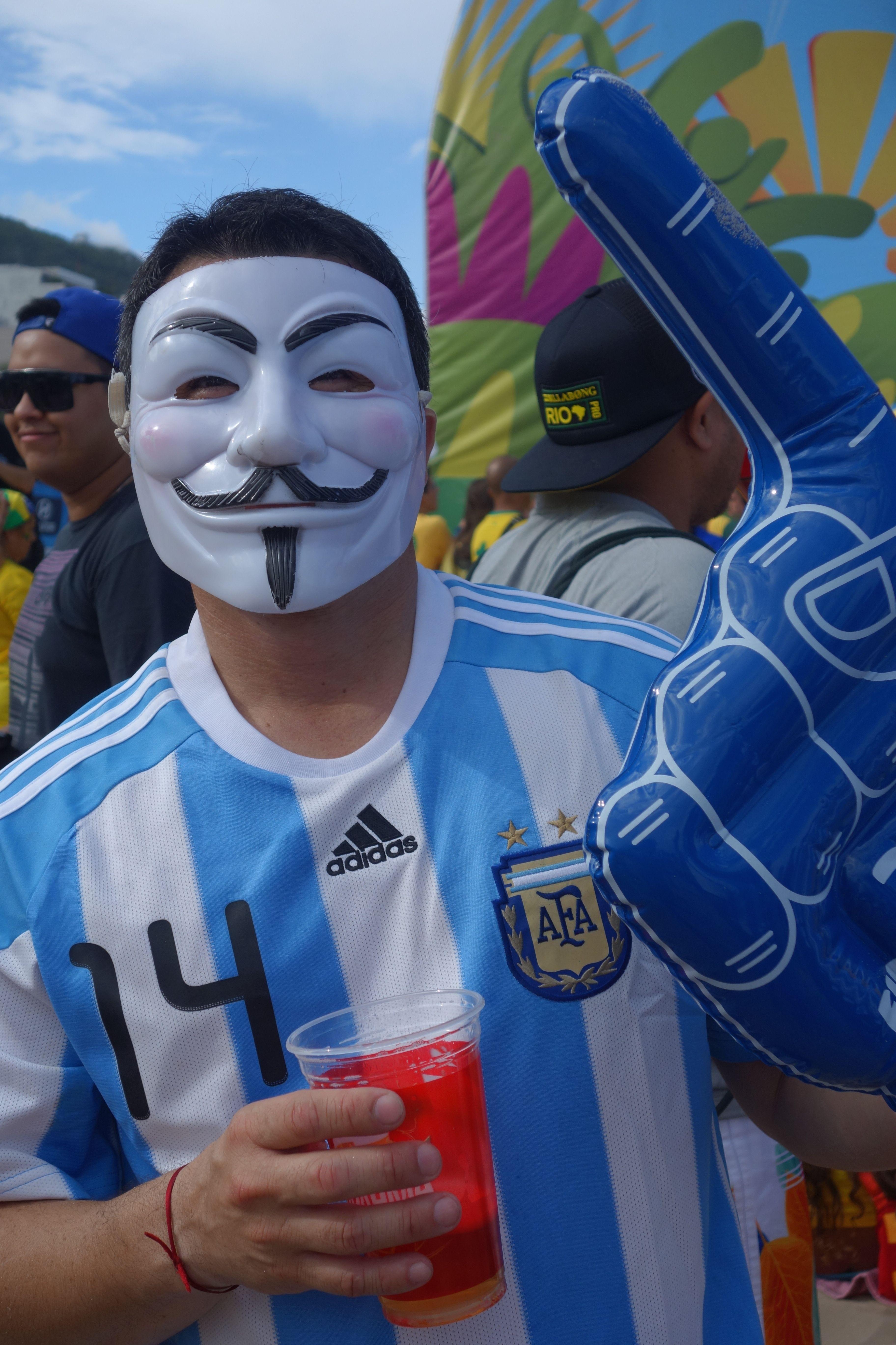 COUPE DU MONDE BRESIL 2014: Plage de Copacabana, la revolution ce soir?