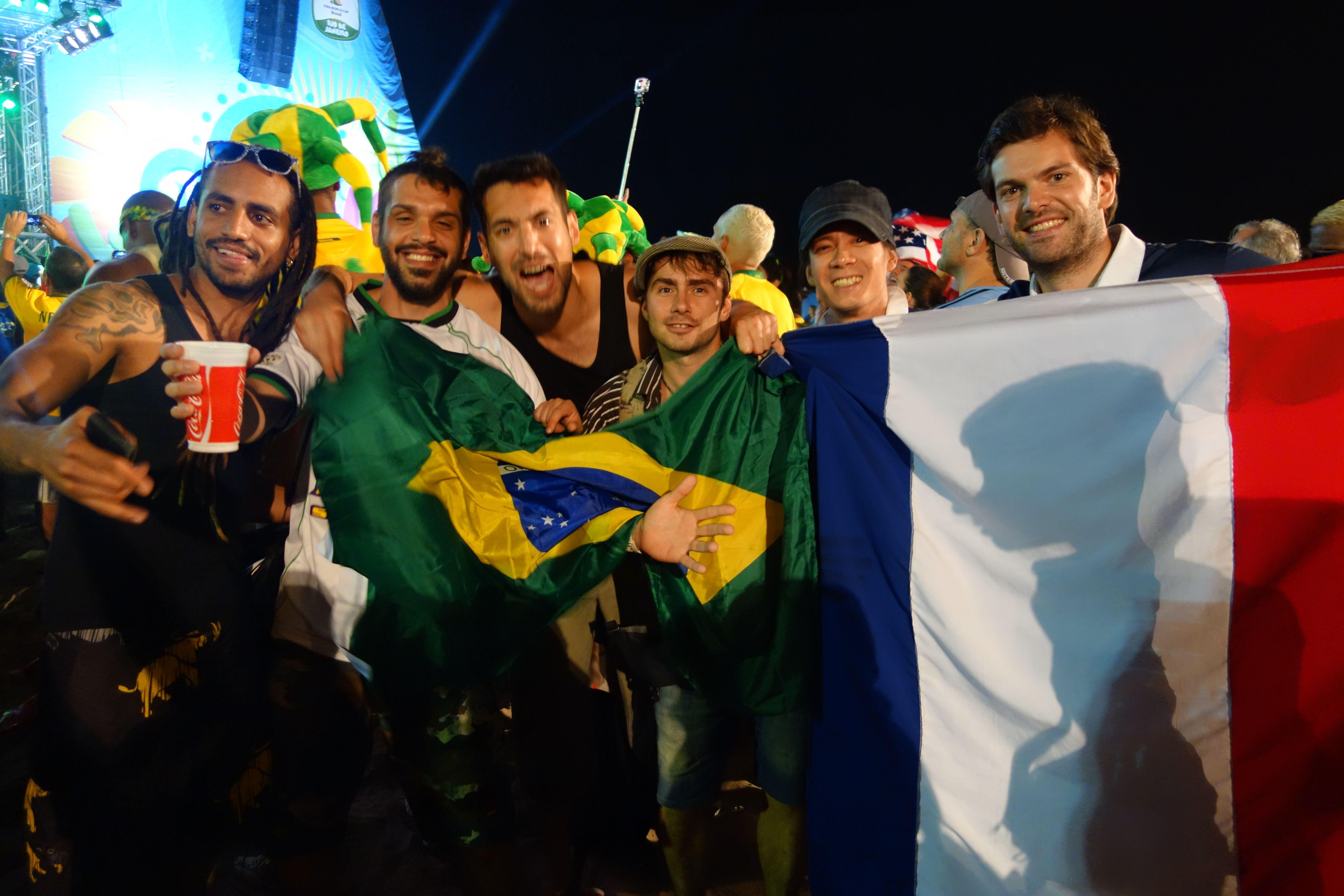 Coupe du Monde de football: Du cote de Rio de Janeiro et de la plage de Copacabana.