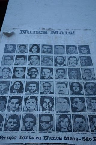 Bresil-Sao Paulo. Affiche de pesonnes disparues durant la dictature au Bresil.