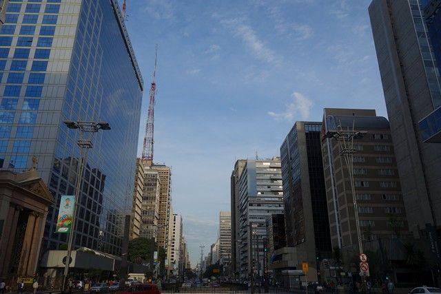 Bresil Sao Paulo: L'Avenue Paulista, la plus belle avenue de Sao Paulo au Brésil photo blog voyage tour du monde travel https://yoytourdumonde.fr