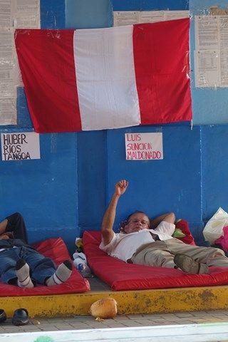 Pérou- Yurimaguas: Certains professeurs font gréve de la faim.