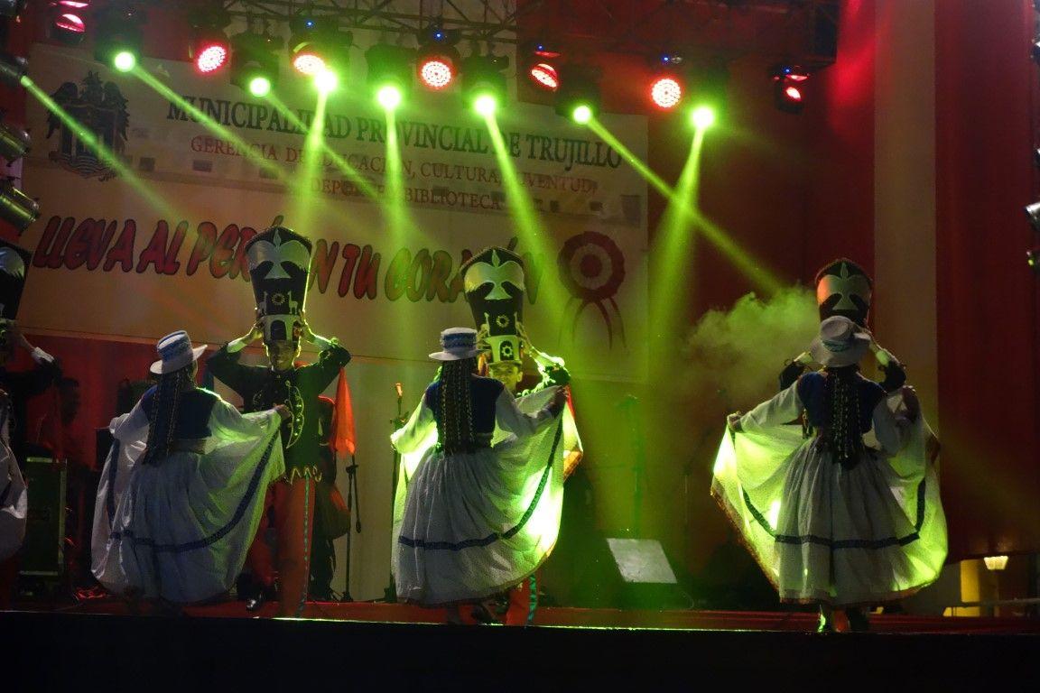 Perou- Trujillo : Commémoration de la fete nationale.