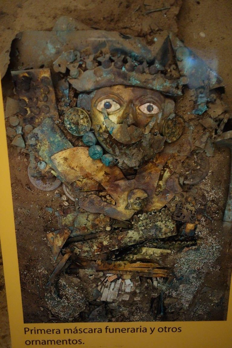 Perou: Bijoux découvert dans la tombe du Seigneur de Sipan