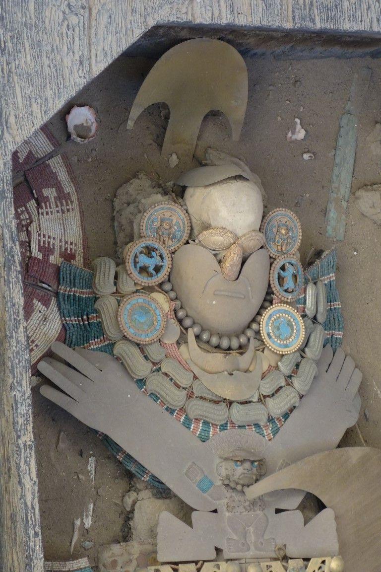 Perou: Seigneur de Sipan avec toute l'or dans la tombe