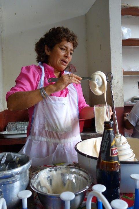Perou-Iquitos: Marché de Belen, mon breadfast chaque matin