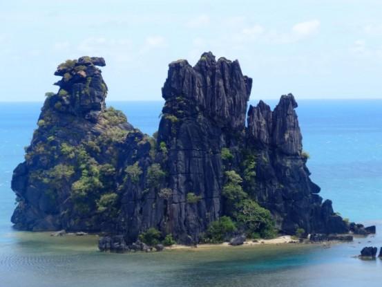 Nouvelle-Caledonie: Poule couveuse Hienghene