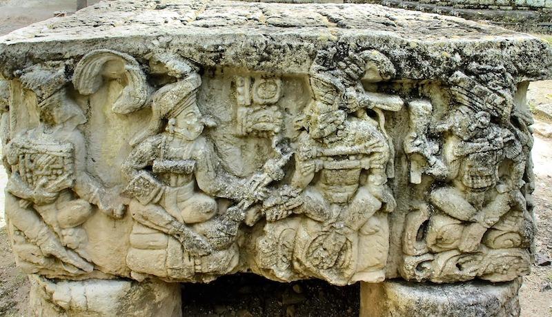 Copan photo Dezalb de Pixabay modification yoytourdumonde ruine Maya copan unesco voyage tour du monde travel https://yoytourdumonde.fr
