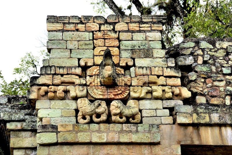Copan photo de Dezalb de Pixabay modificaron yoytourdumonde honduras copan ruines maya voyage travel https://yoytourdumonde.fr