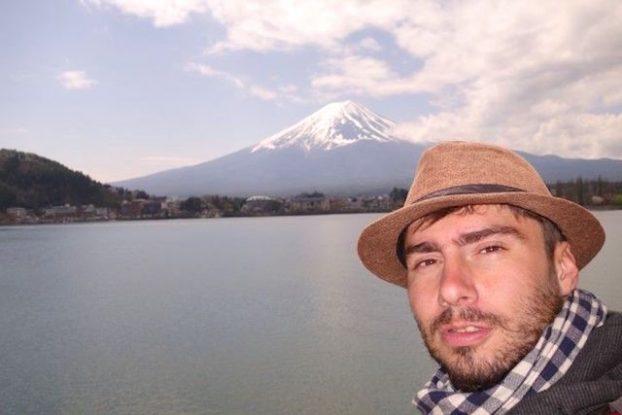 Portrait Yohann Taillandier Mont Fuji article blog voyage tour du monde https://yoytourdumonde.fr