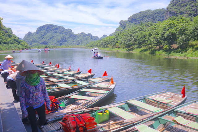 Trang An baie d'halong terrestre photo blog voyage tour du monde http://yoytourdumonde.fr