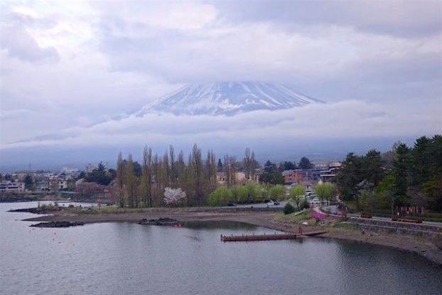 Le magnifique Lac Kawaguchi Ko avec le Mont Fuji photo blog voyage tour du monde https://yoytourdumonde.fr