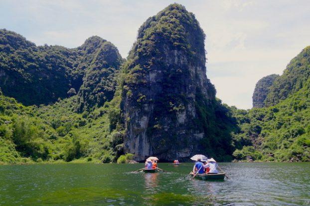 Visite Baie d'Halong Terrestre ning binh photo blog voyage tour du monde https://yoytourdumonde.fr