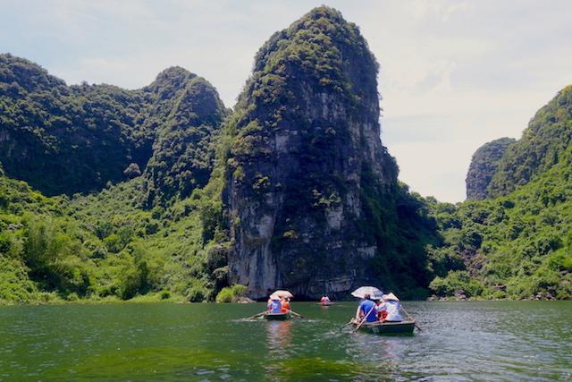 Visite Baie d'Halong Terrestre ning binh photo blog voyage tour du monde http://yoytourdumonde.fr