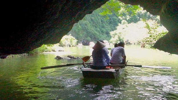Baie d'Halong Terrestre photo blog voyage tour du monde https://yoytourdumonde.fr