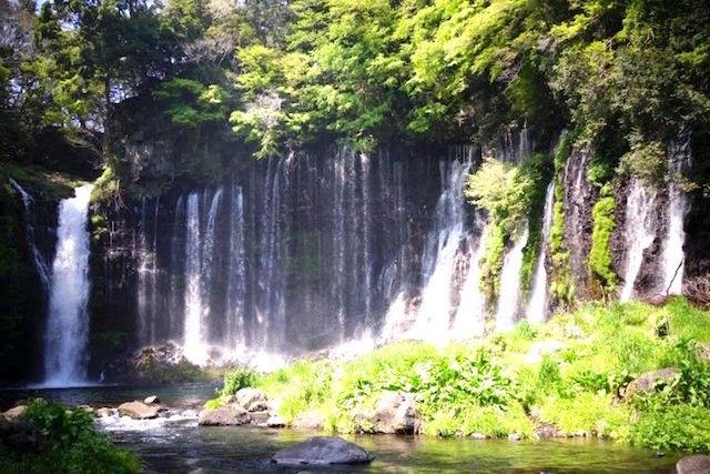 Japon Cascade de Shiraito à Fujinomiya photo blog voyage tour du monde http://yoytourdumonde.fr