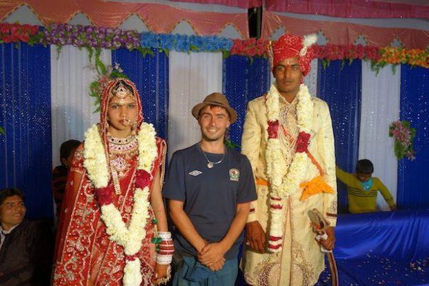 photos de yohann tour du monde lors d'un mariage en inde à pushkar en tenue traditionnelle photo blog voyage tour du monde https://yoytourdumonde.fr