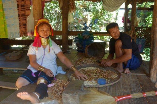 thailande-femmes-girafes-karen-padaung-travel-voyage