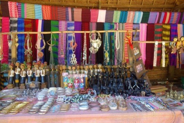 We can buy many articles and ítems at the local stores. The profits are used to help the ethnic minority.