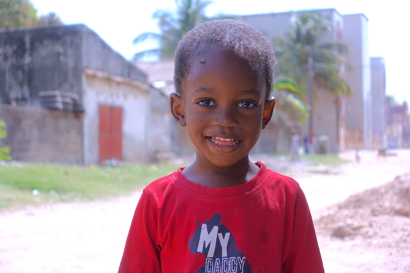 Portrait d'un jeune de Casamance à Ziguinchor photo blog voyage tour du monde https://yoytourdumonde.fr