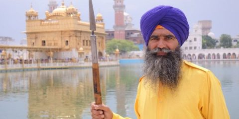 Portrait d'un Sikhs à Amritsar au temple d'or photo blog voyage tour du monde http://yoytourdumonde.fr
