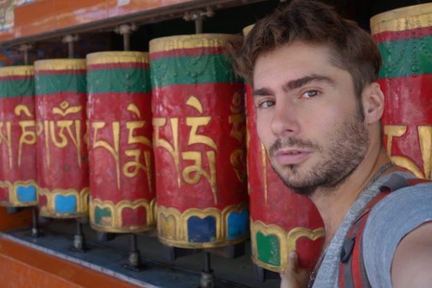 Temple tibétain de Kalachakra Temple à Dharamsala photo blog voyage tour du monde https://yoytourdumonde.fr
