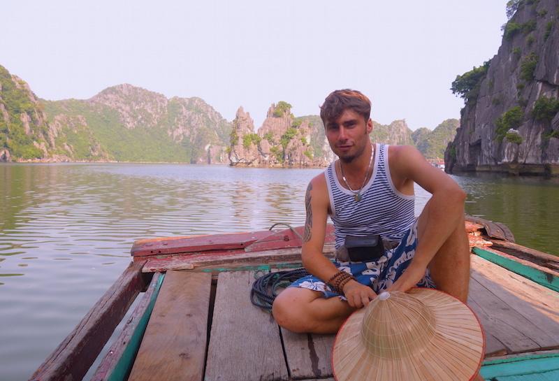 Vietnam Baie d'halong voyage tour du monde http://yoytourdumonde.fr