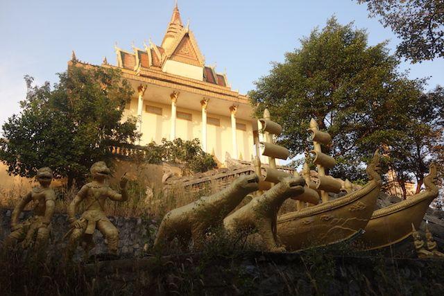 L'un des plus secrets des temples du Cambodges se trouvent à Kep, abandonnée ou pas? Photo blog de tour du monde http://yoytourdumonde.fr